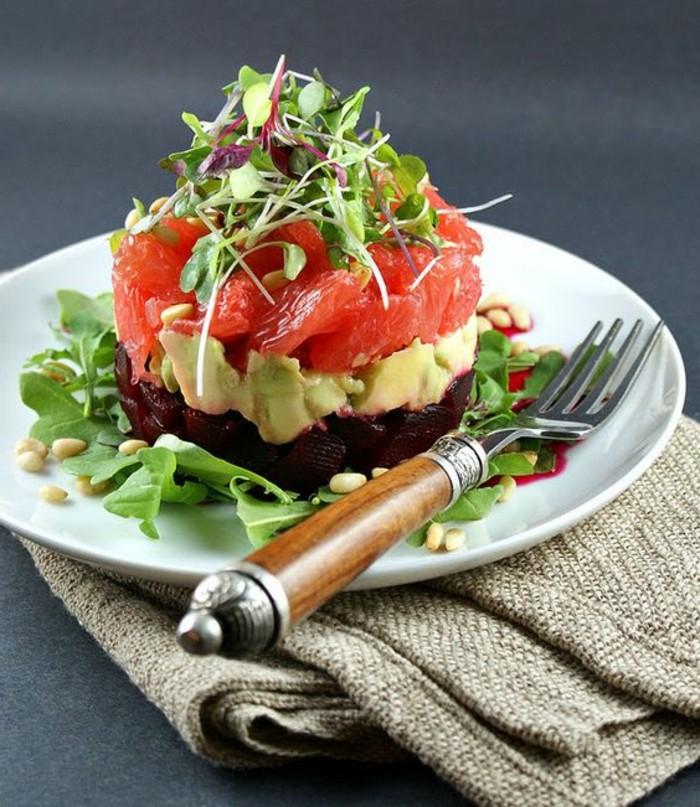 salade-de-pamplemousse-salade-betterave-avocat-et-pamplemousse