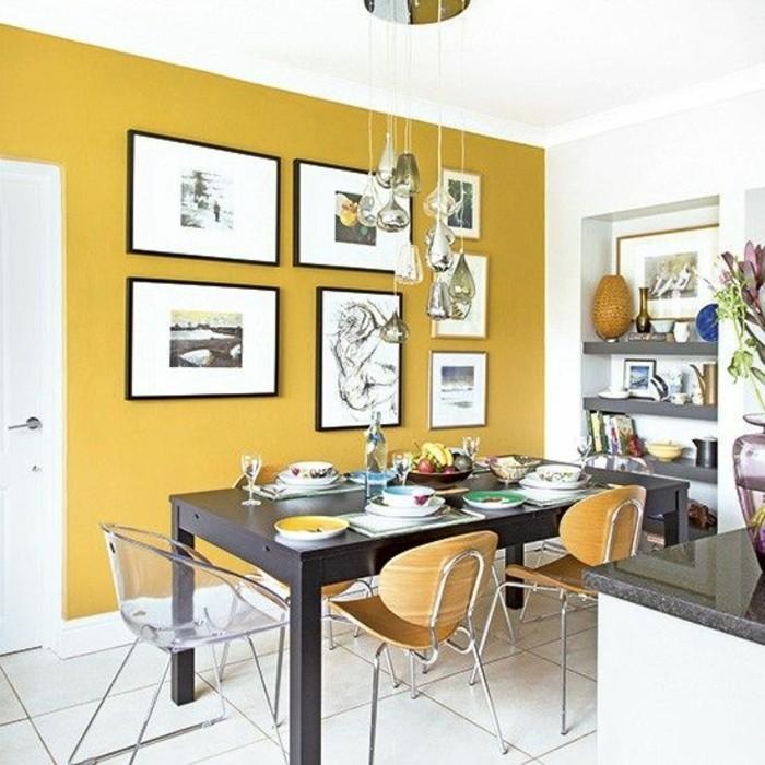 salle-a-manger-mur-jaune-grande-table-noire