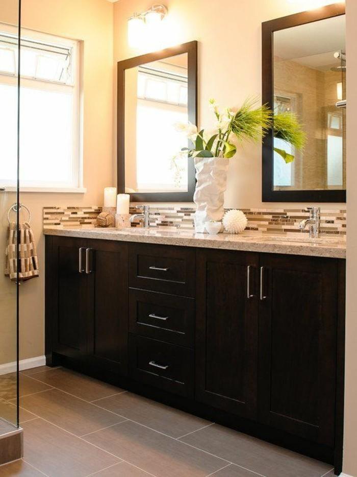 salle-de-bain-beige-carrelage-sol-beige-varreaux-grand-format