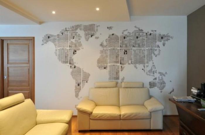 salon-canape-deux-places-en-cuir-carte-planisphere-sur-fond-blanc