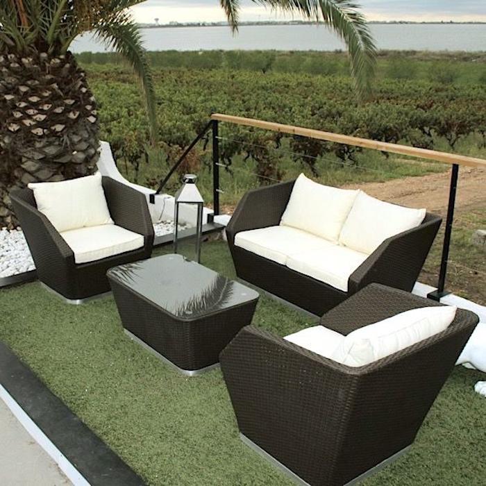 salon-de-jardin-en-resine-tressee-table-fauteuil