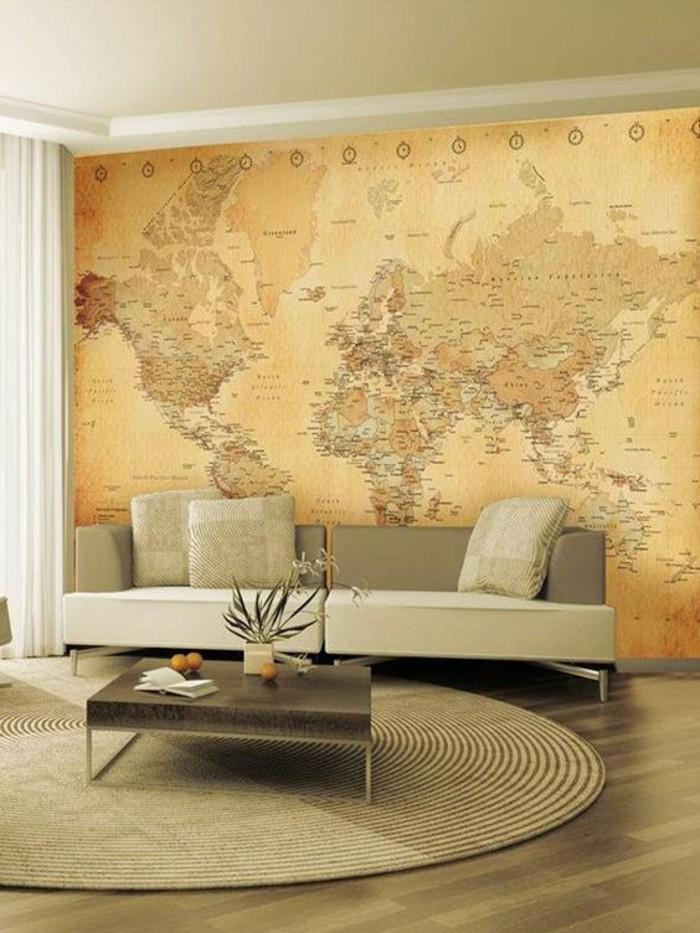 salon-moderne-et-spacieux-canape-beige-poster-mappemonde-geant