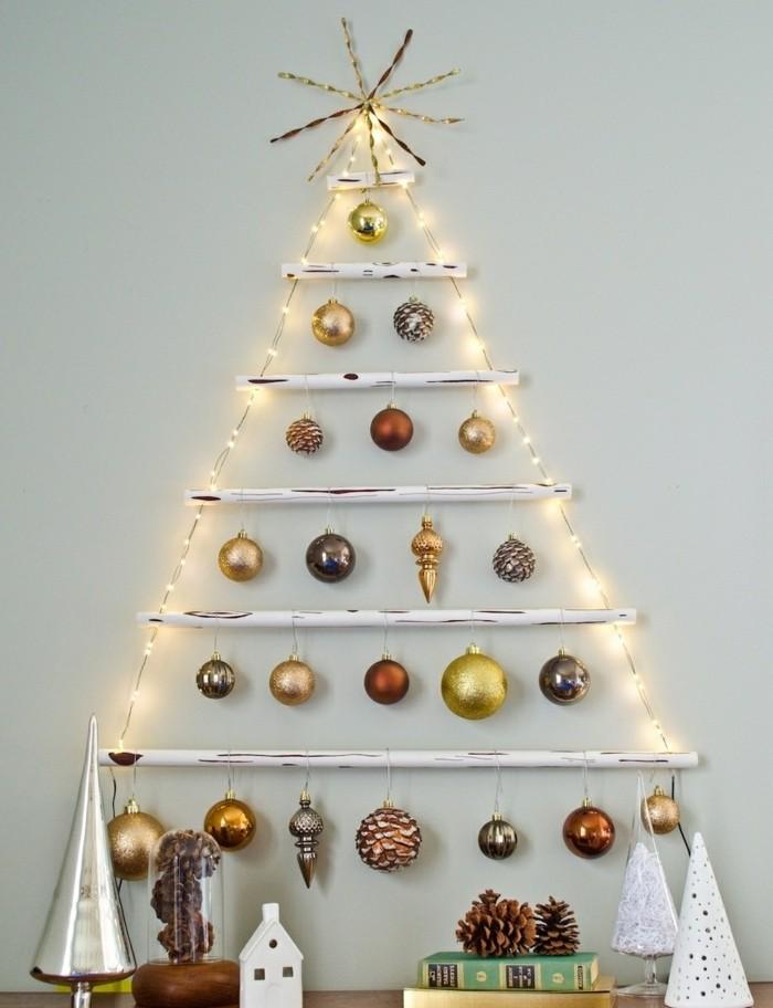 sapin-de-noel-design-en-bois-flotte-boules-de-noel-charmantes-sapin-de-noel-decoration-sympa