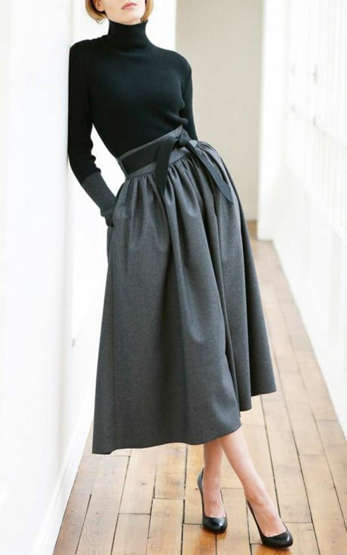 sous-pull-noir-et-jupe-elegante-pull-col-roule-femme