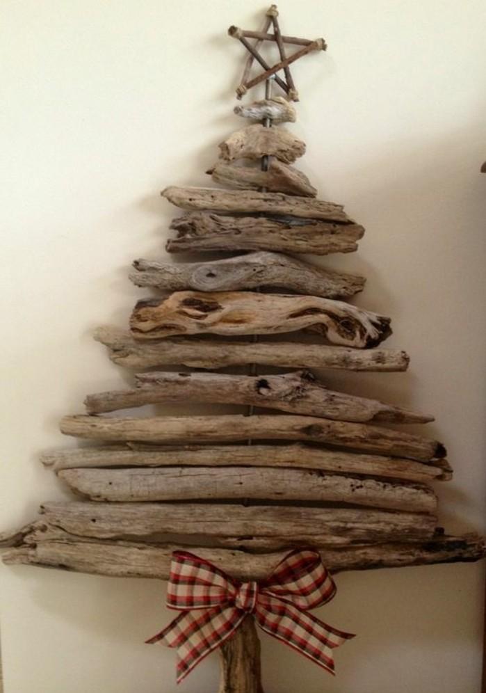 Sapin en bois flott fabriquer pour no l 56 id es for Decoration de sapin de noel maison