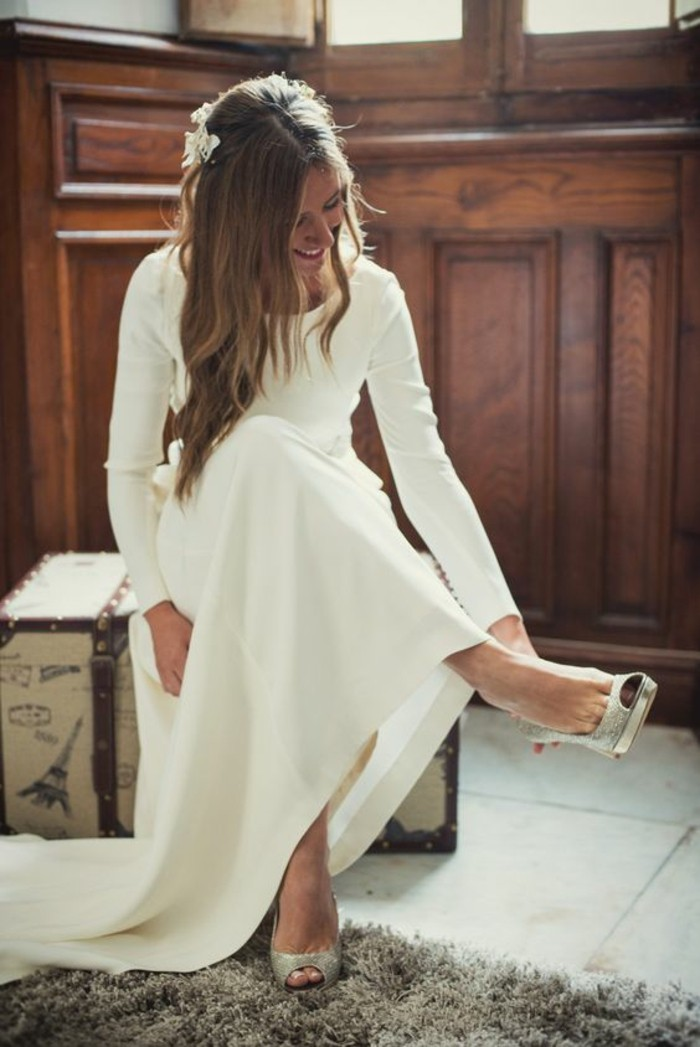 superbe-robe-de-mariee-simple-et-originale-longue-preparation