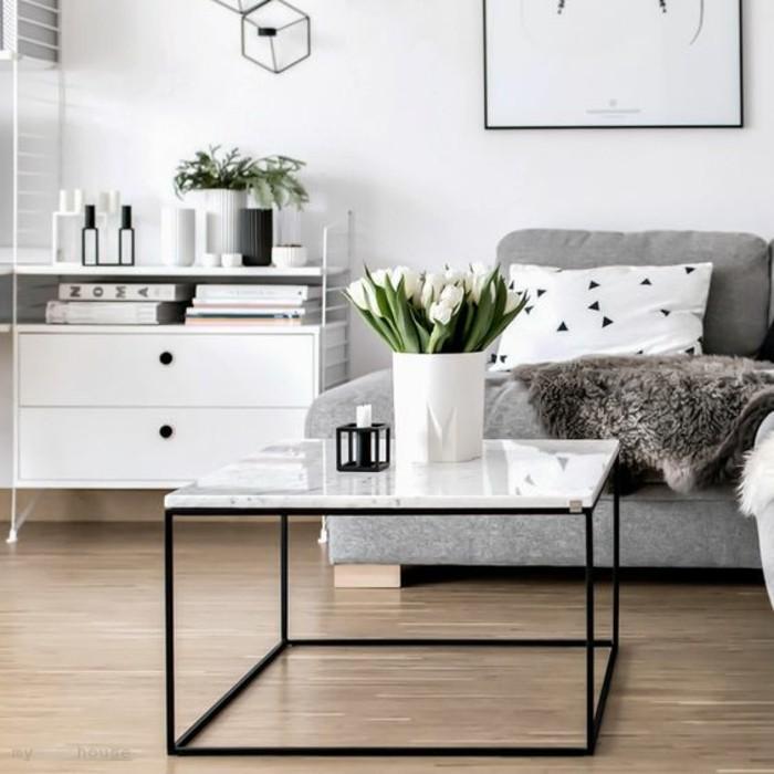 table-basse-en-marbre-blanc-pietement-en-acier