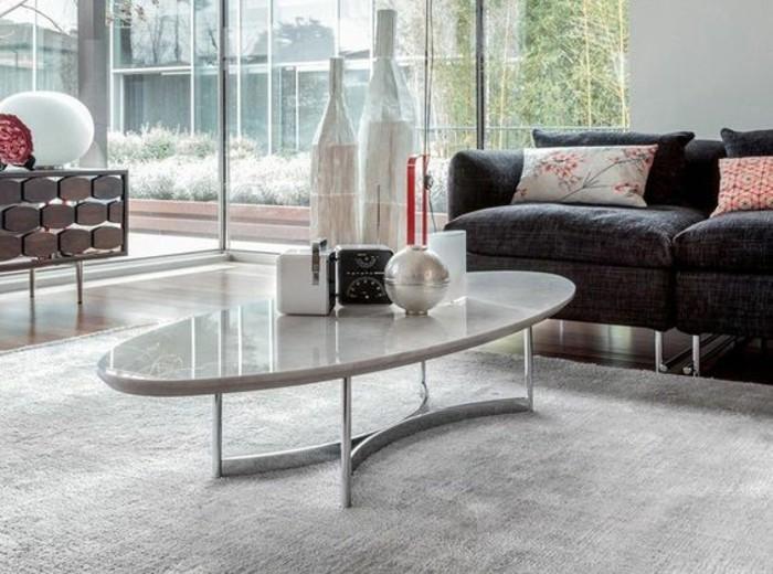 table-de-salon-ovale-plateau-marbre-salon-elegant-et-spacieux