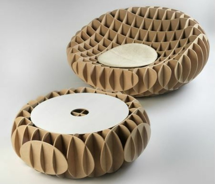 table-et-fauteuil-en-carton-ultra-modernes-a-faire-soi-meme-pour-un-decor-design-et-creatif