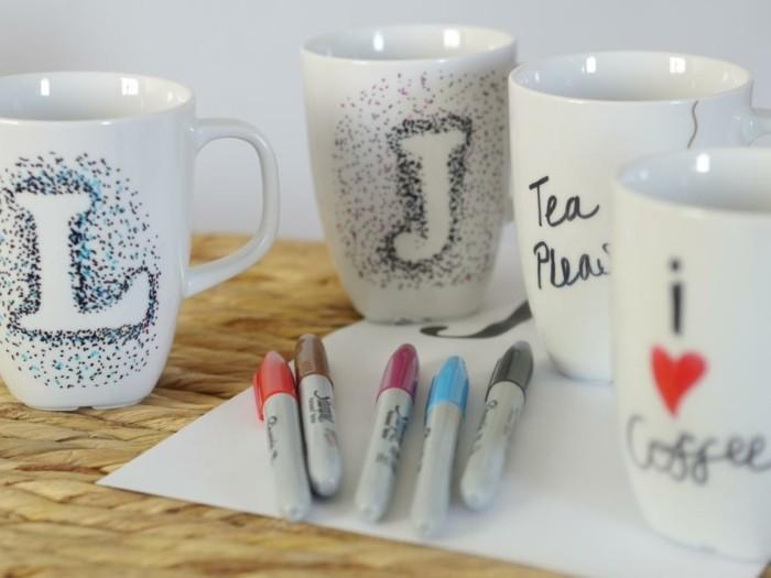 tasses-a-cafe-personnalisees-une-idee-de-cadeau-de-noel-originale-a-faire-soi-meme