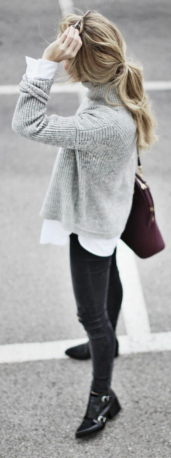 tendance-hiver-pull-chaud-femme-pull-gris-et-chemise-blanche