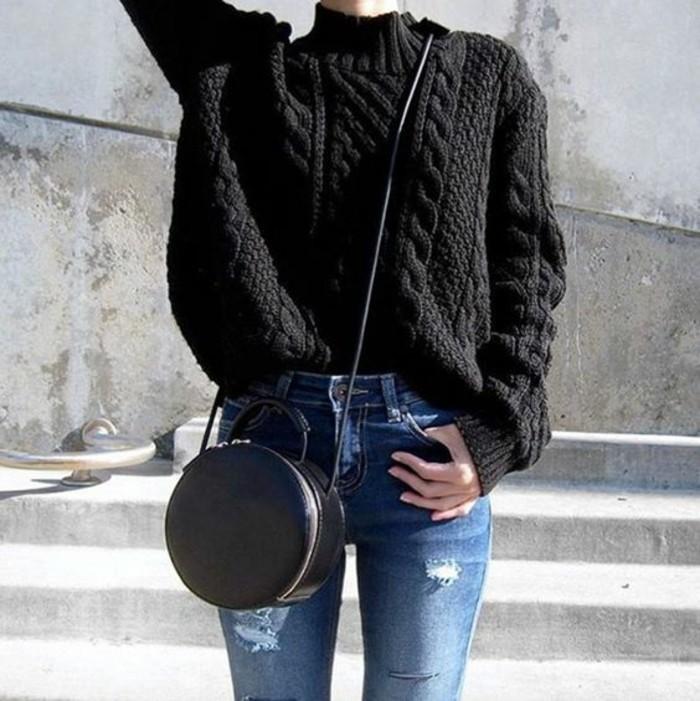 tenue-decontracte-et-chic-pull-grosse-maille-noir