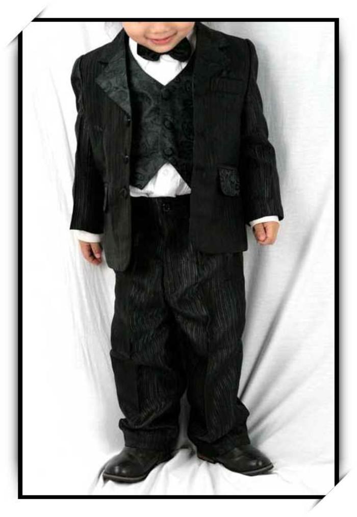 tenue-mariage-enfant-cadoshop-en-noir-garcon-d-honneur-resized