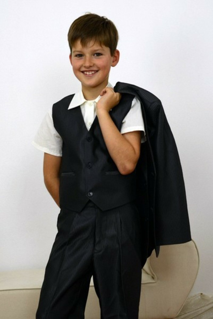 tenue-mariage-enfant-mariage-pronoce-style-classique-avec-chemise-aux-manches-courtes-blanche-resized
