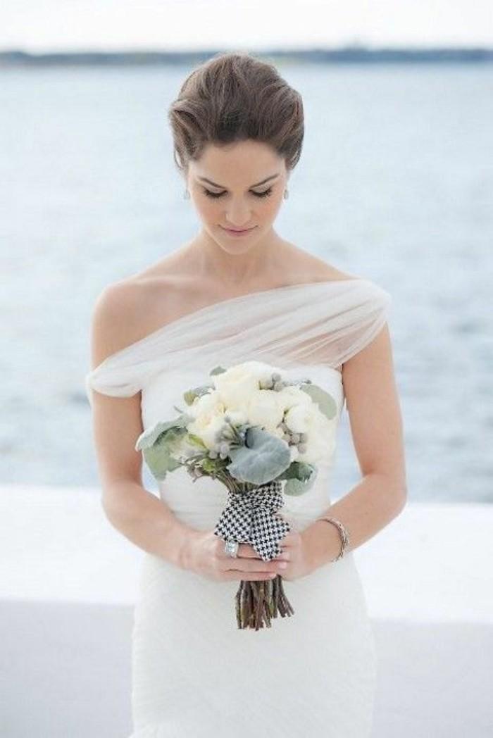 tenue-mariage-robe-de-mariee-toute-simple-au-bord-de-la-mer