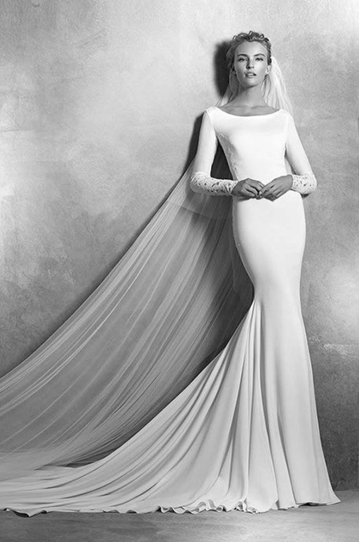 tenue-mariage-robe-de-mariee-toute-simple-gris
