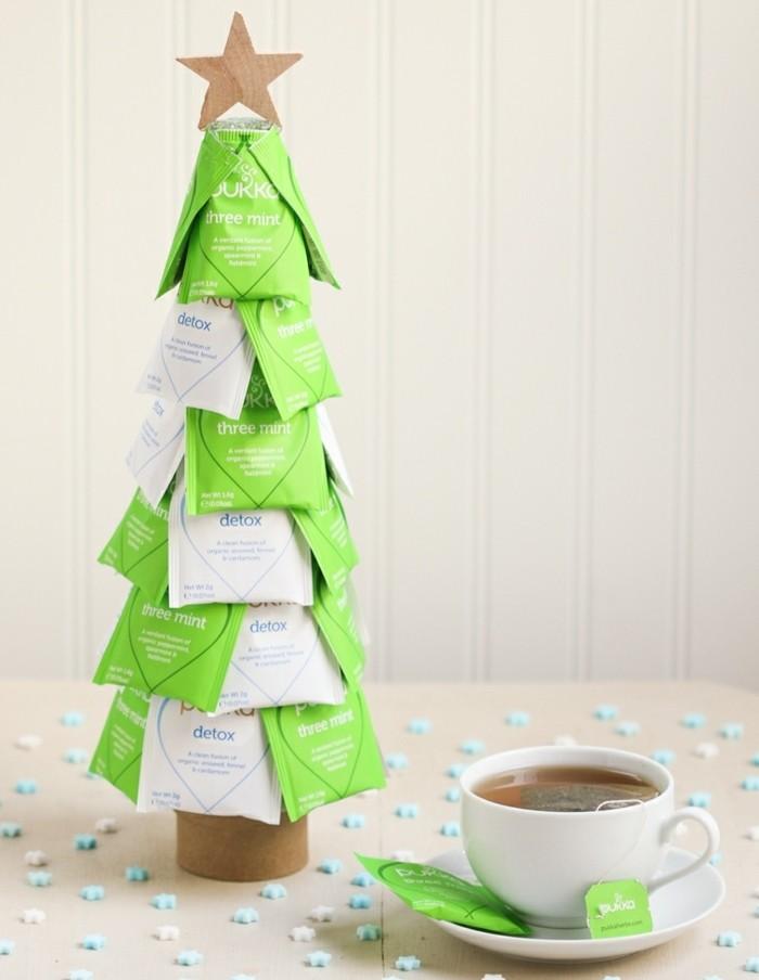 un-arbre-de-noel-decoratif-avec-des-sachets-de-the-cadeau-de-noel-a-fabriquer-idee-charmante