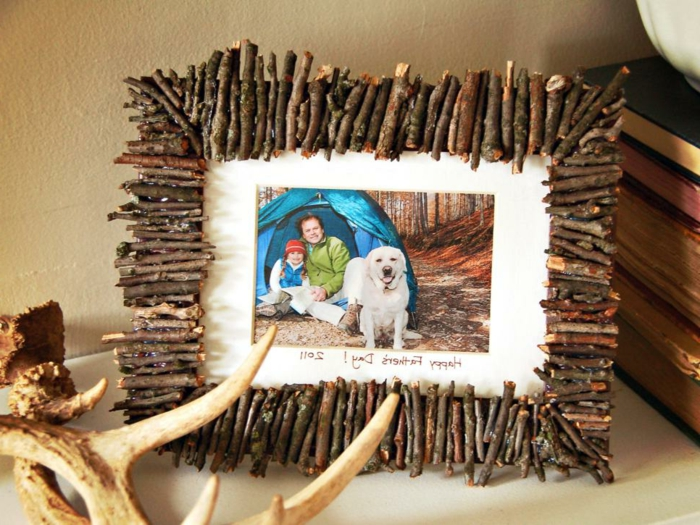 un-joli-cadre-photo-diy-magnifique-idee-cadeau-fete-des-peres-a-fabriquer-cadeau-tres-sympa