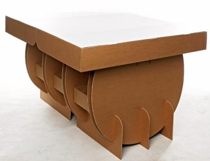 un-joli-modele-de-table-en-carton-meuble-carton-design-interessant