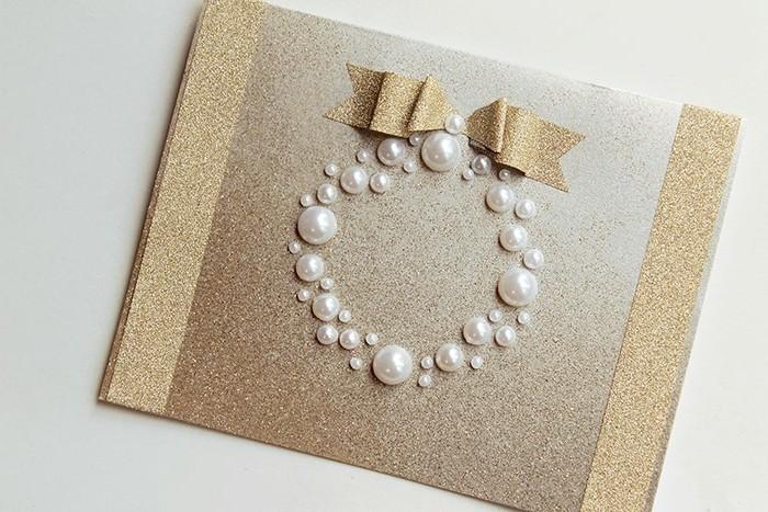 une-carte-de-voeux-originale-fabriquee-a-partir-de-perles-une-idee-tres-cretive-pour-votre-carte-de-noel