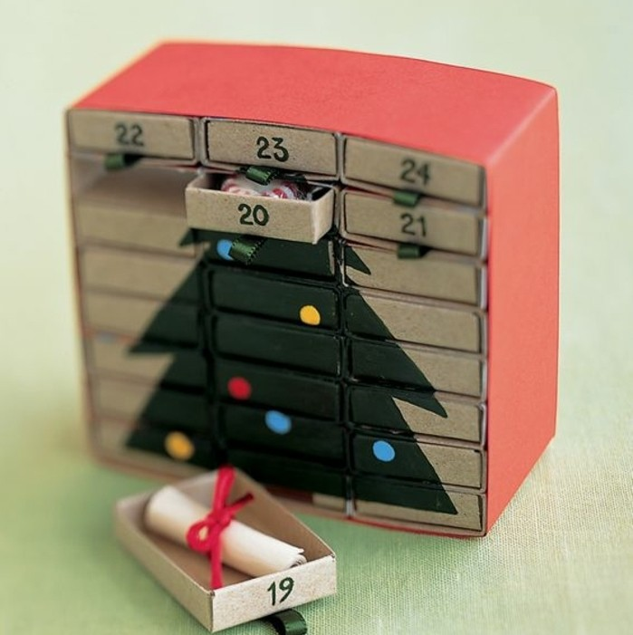 une-superbe-idee-de-calendrier-de-l-avent-compose-de-boites-d-allumettes-suggestion-charmante