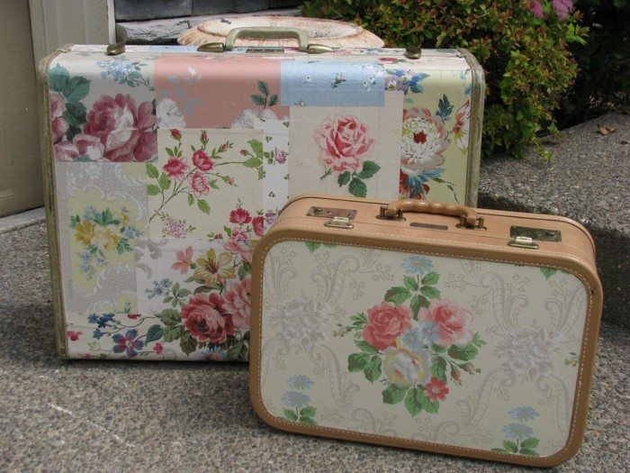 valises-vintage-joliement-decores-avec-du-papier-decopatch-a-motifs-floraux-superbe-idee-deco