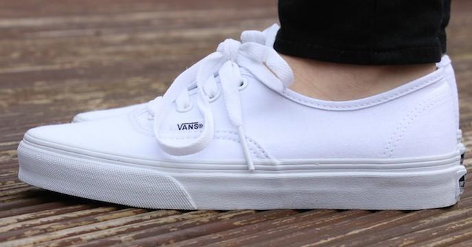 vans-blanche-blanc-authentic-true-white