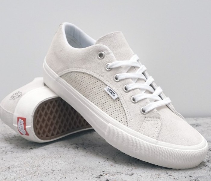 vans-blanches-lampin-pro-slam-city-marshmallow-white-cuir-suede-sneakers-femme-homme
