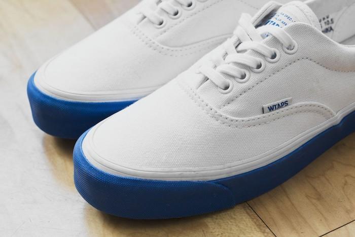 vans-wtaps-serie-limite-blanc-bleu-authentic-era