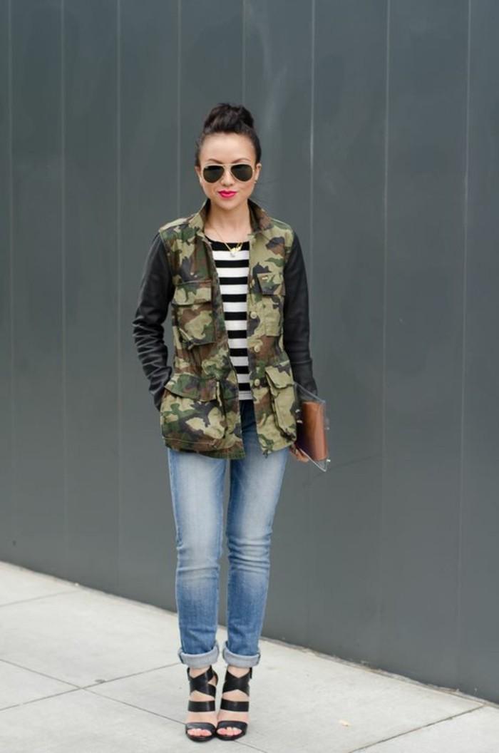 veste-camouflage-femme-manches-en-cuir-jean