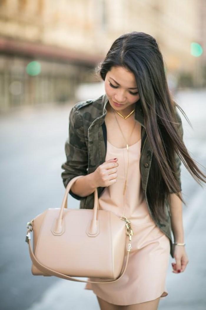 veste-camouflage-femme-mi-saison-robe-romantique