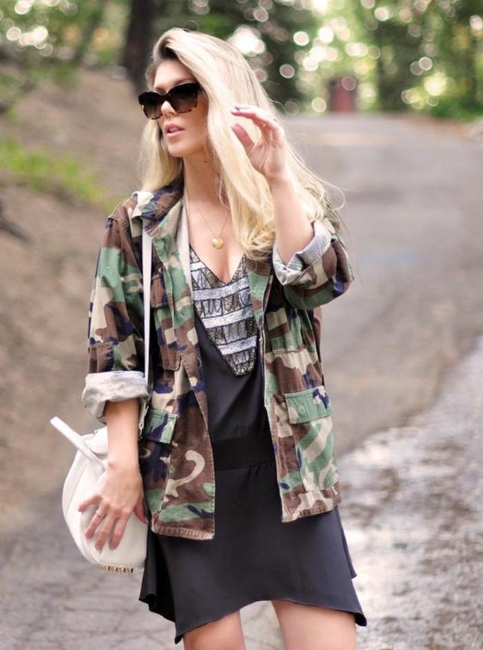 veste-camouflage-femme-robe-elegante