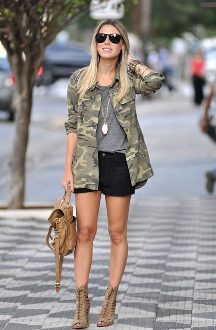 veste-femme-militaire-camouflage-mini-short-noir