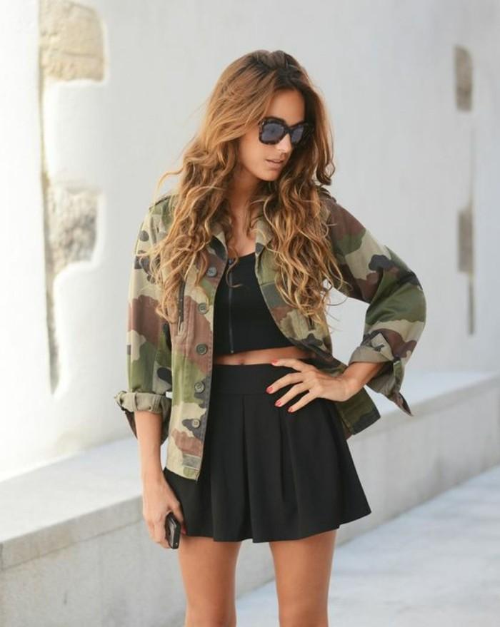 veste-femme-militaire-femme-mi-saison-jupe-evasee-courte