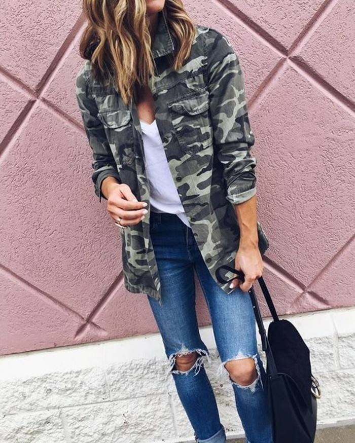 veste-style-militaire-camouflage-jean-troue