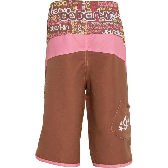 vetement-de-sport-enfant-m-and-m-direct-short-long-babyskin-au-derriere-aux-inscriptions-resized