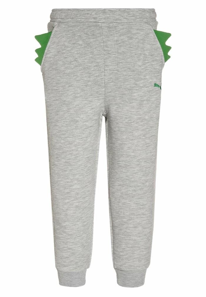 vetement-de-sport-enfant-zalando-pantalon-de-survetement-aux-motifs-dragon-en-gris-et-vert-resized