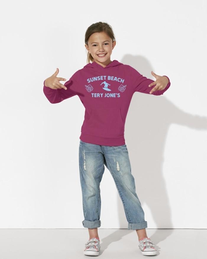 vetement-de-sport-enfant-sweatshirt-tery-jones-couleur-vive-resized