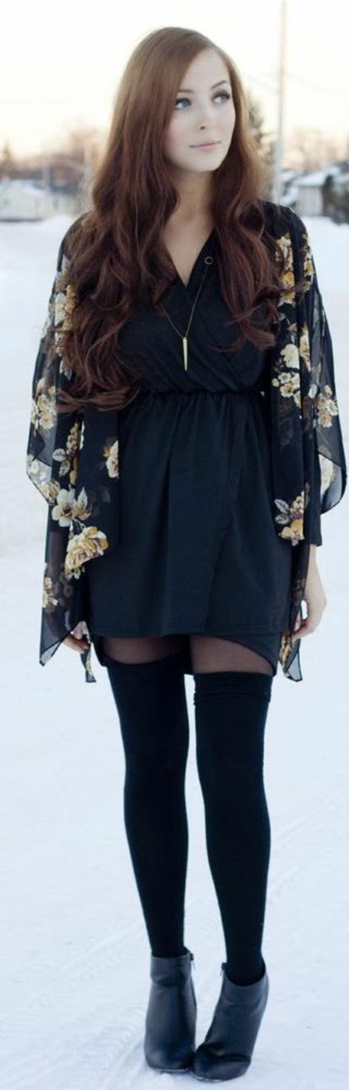 elegante-robe-norie-chaussettes-hautes-femme