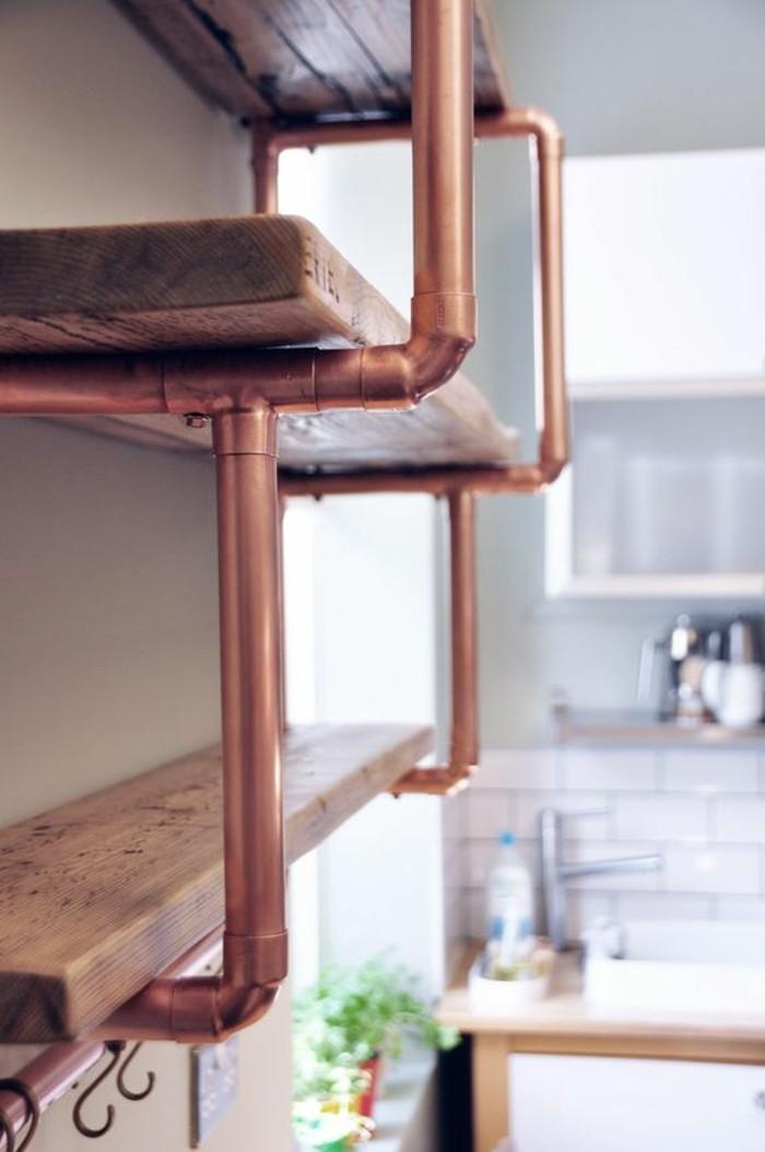 etagere-en-bois-et-element-tube-cuivre-cuisine-industrielle