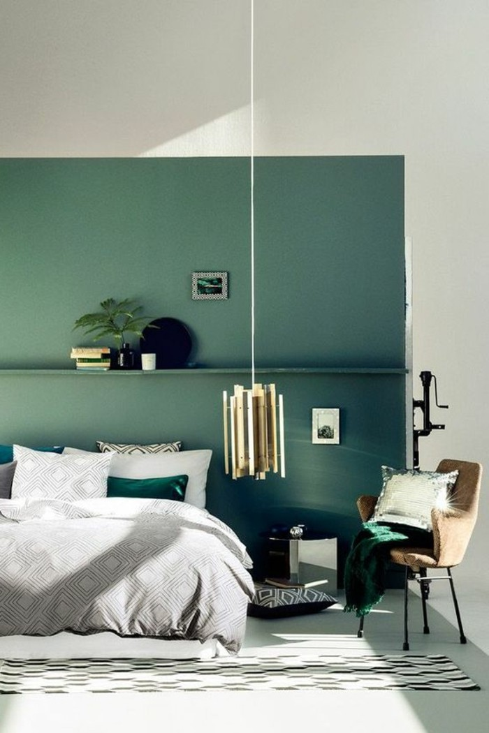 chambre couleur vert fonce 053708 la. Black Bedroom Furniture Sets. Home Design Ideas