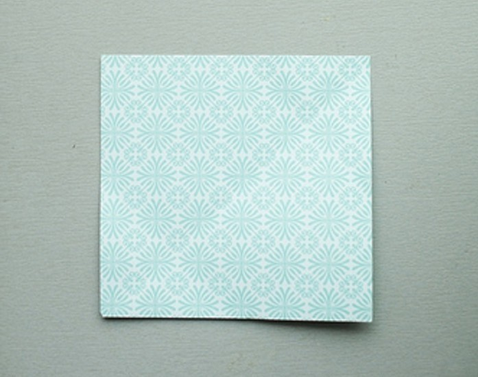 idee-pour-fabriquer-une-enveloppe-carree-de-papier-scrapbooking-a-faire-soi-meme