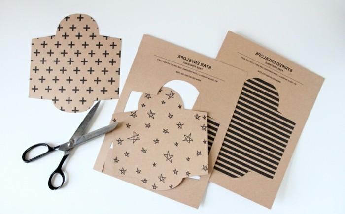 6petites-enveloppes-diy-comment-fabriquer-une-enveloppe-miniature-en-couleurs-a-motifs-dovers