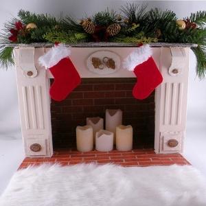 Cheminée en carton - décoration réchauffante le cœur