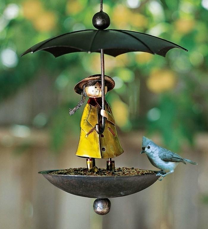 abri-oiseaux-parapluie-fille-en-veste-jaune-humeur-dautomne