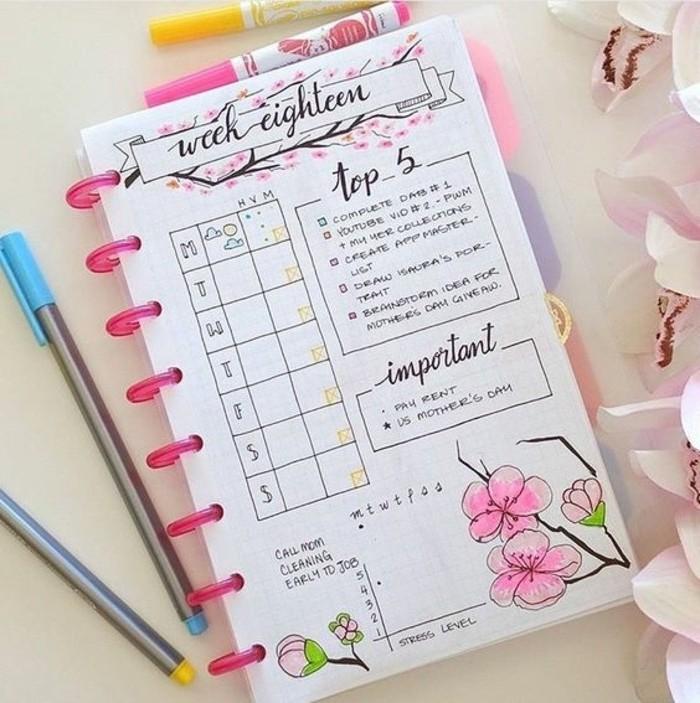 agenda-scolaire-personnalise-decore-de-dessins-de-fleurs-une-jolie-maniere-de-customiser-son-planner