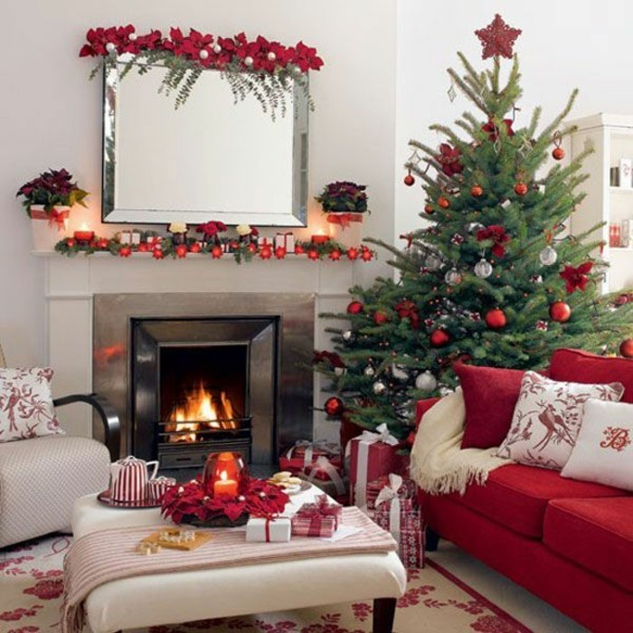 agrement-decoration-sapin-de-noel-maison-festive-cheminee-canape-rouge