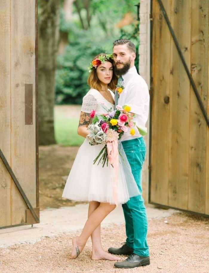 amour-et-mariage-robe-de-mariee-courte-jolie-couple-mignonne