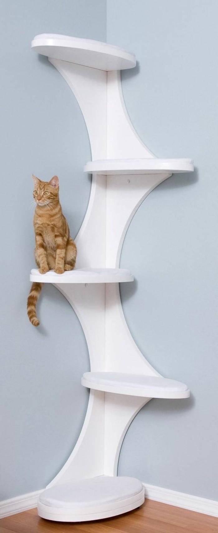 arbre-a-chat-mural-desgin-original-jouets-pour-chats
