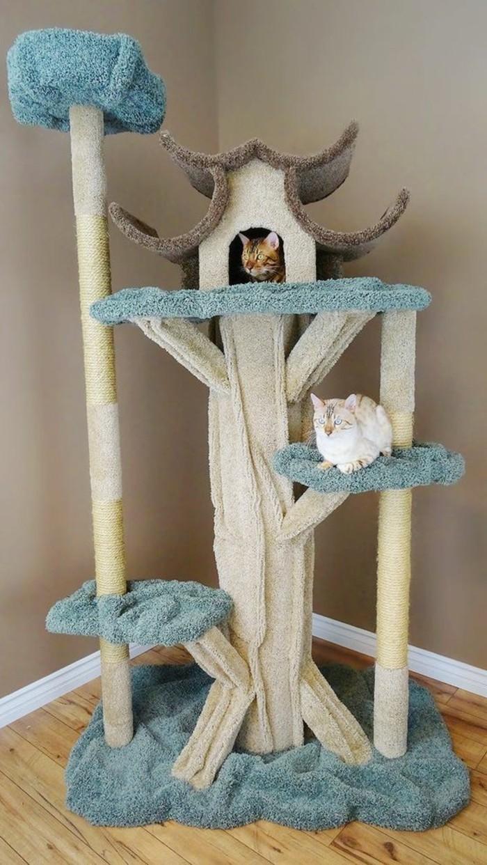 arbre-a-chats-bleu-et-blanc-maison-de-chat-style-chateau-japonais
